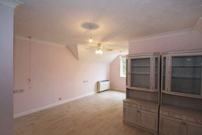 Living Room of Havant Road, Cosham, Portsmouth PO6