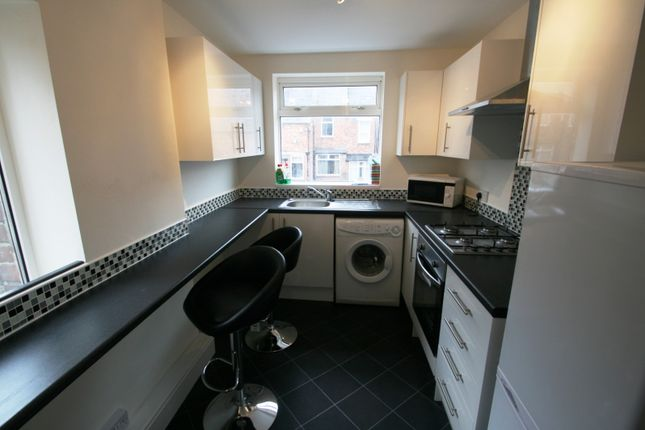 2 bed flat to rent in Wingrove Avenue, Fenham, Newcastle Upon Tyne