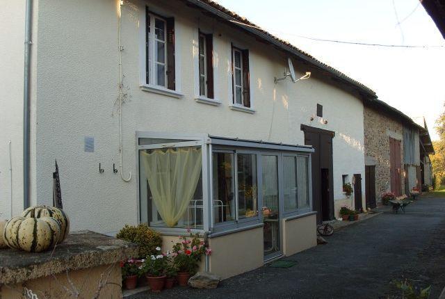 Farmhouse for sale in Oradour-Sur-Vayres, Haute-Vienne, Limousin, France