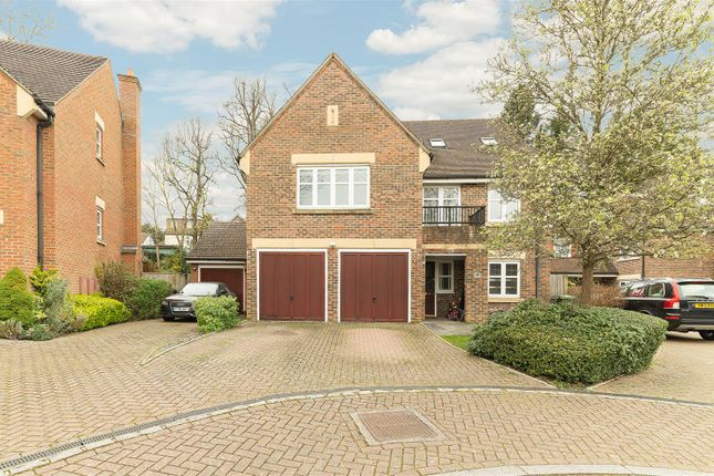 Thumbnail Detached house to rent in Water Mead, Chipstead, Coulsdon