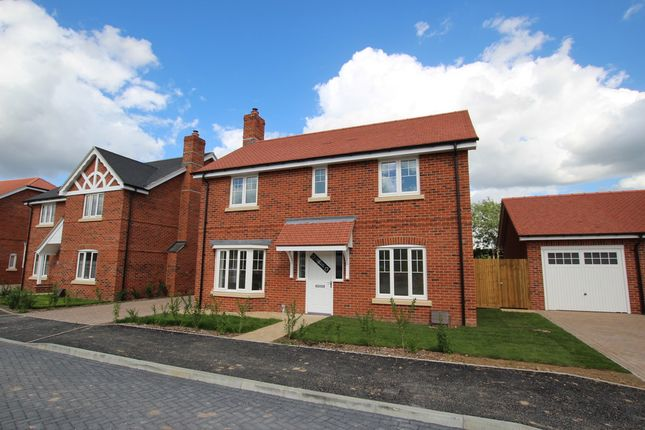 4 bed detached house to rent in The Pippins, Swallowfield, Reading