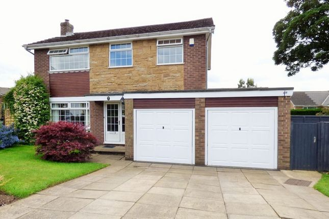 Thumbnail Detached house for sale in Westleigh Close, Baildon, Shipley