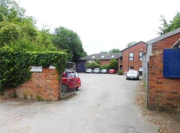 Thumbnail Farmhouse for sale in Station Road, Pangbourne, Reading