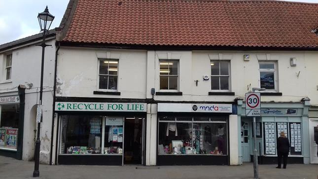 Thumbnail Retail premises to let in Market Place, Thorne, Doncaster