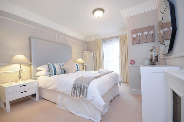 Flat to rent in Hampstead Heights, Fitzjohns's Avenue, Hampstead