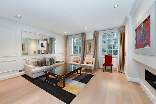 Thumbnail Flat to rent in Brompton Square, Knightsbridge