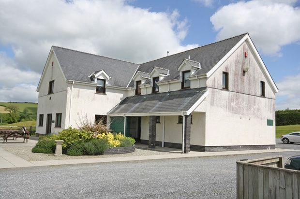 Thumbnail Flat to rent in Derllys Court Golf Club, Llysonnen Road, Carmarthen, Carmarthenshire