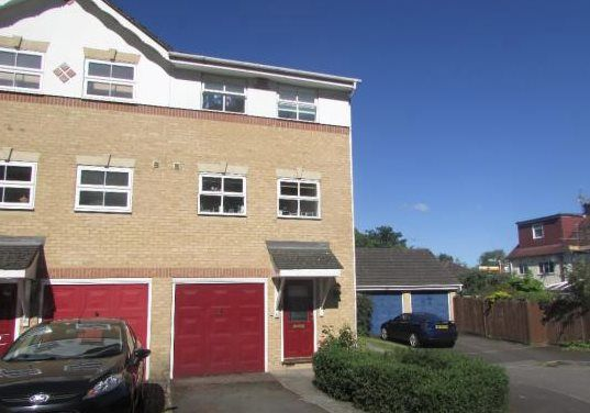 Thumbnail Town house to rent in Mill Pond Close, Sevenoaks
