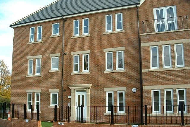 Thumbnail Flat to rent in Summerlin Drive, Parklands, Woburn Sands