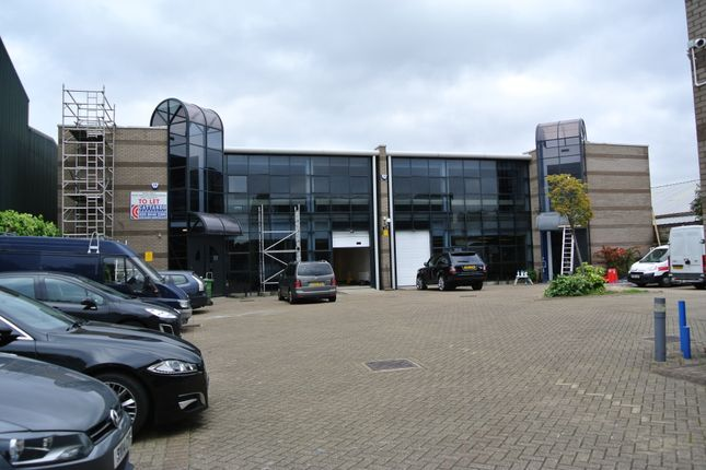 Thumbnail Office to let in Oakcroft Road, Chessington