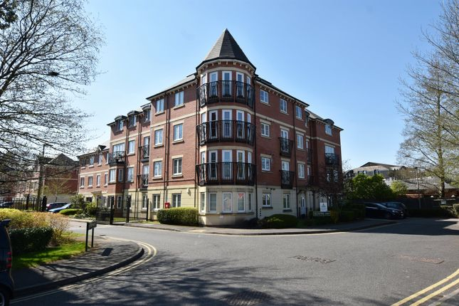 2 bed flat for sale in Collingtree Court, Solihull B92