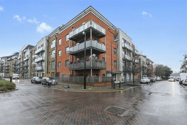 Thumbnail Flat for sale in Desvignes Drive, London
