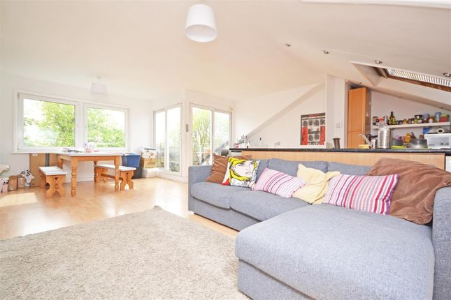 Thumbnail Flat to rent in The Barons, St Margarets, Twickenham