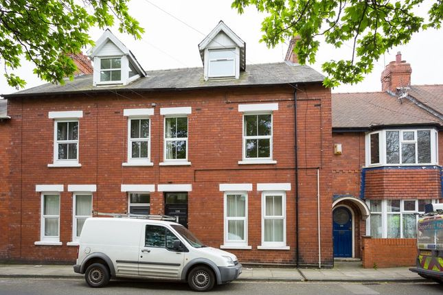 Flat for sale in South Bank Avenue, York