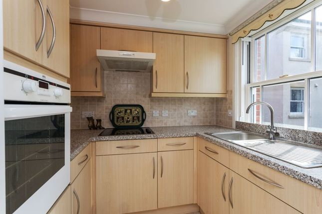 Kitchen of Sudweeks Court, Devizes SN10