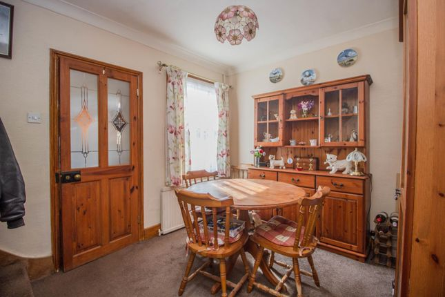 Reception of Telegraph Lane, Claygate, Esher KT10