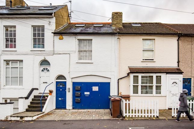 Thumbnail Flat to rent in Beulah Road, London