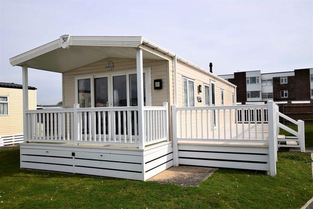 2 bed mobile/park home for sale in Pevensey Bay Holiday Park, Pevensey Bay