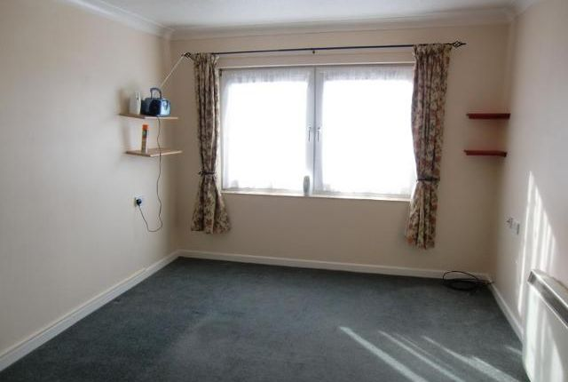 Thumbnail Flat to rent in Homefleet House, Wellington Crescent, Ramsgate, Kent