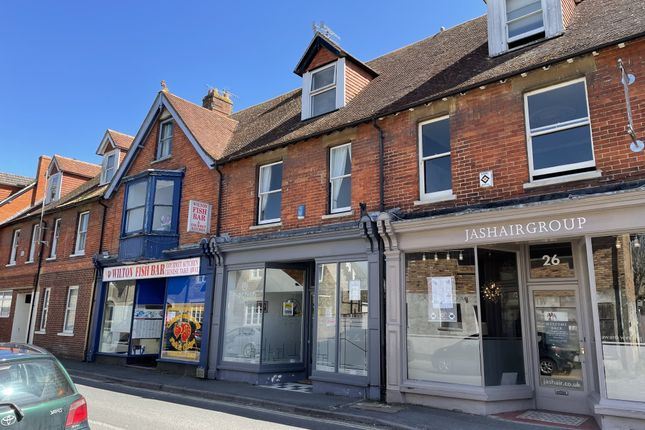 2 bed flat to rent in North Street, Wilton, Salisbury SP2