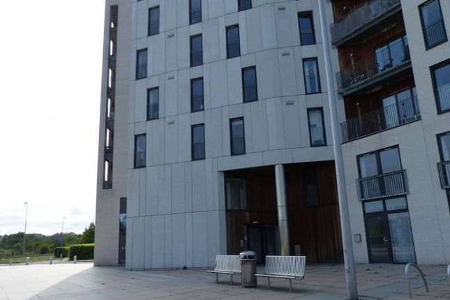 Thumbnail Flat to rent in Saltire Square, Newhaven, Edinburgh