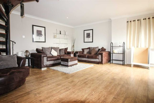 Thumbnail Semi-detached house to rent in Dog Bank, Quayside, Newcastle Upon Tyne