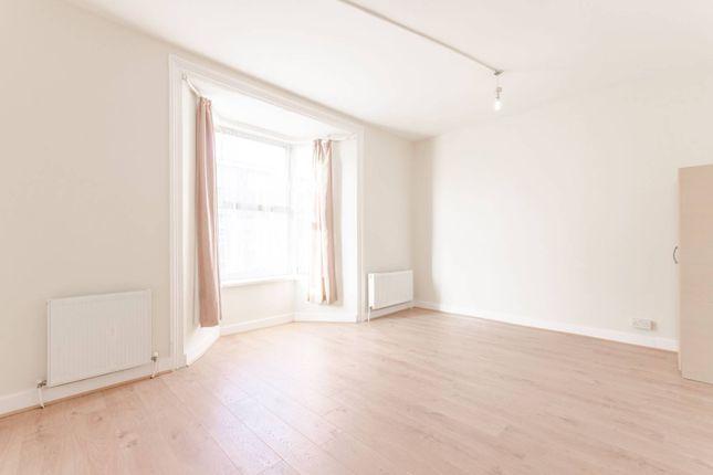 Thumbnail Property to rent in Grange Park Road, Leyton