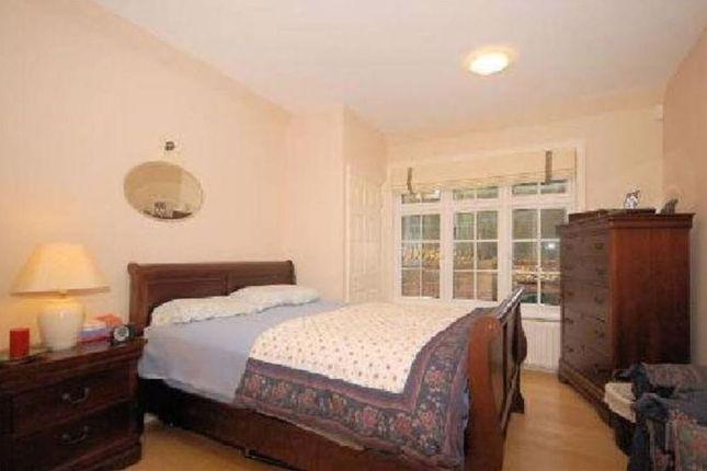 Bedroom-619 of Wadham Gardens, London NW3