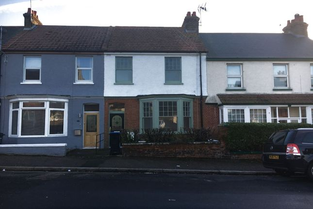 Thumbnail Property to rent in Victoria Avenue, Margate