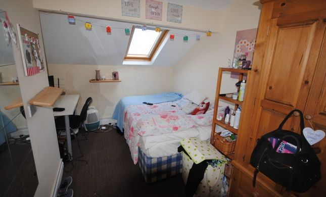 Thumbnail Terraced house to rent in Headingley Avenue, Headingley