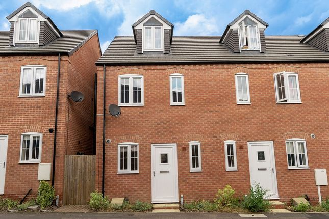 Thumbnail Town house to rent in Stoney Street, Sutton-In-Ashfield