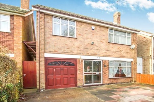 Thumbnail Detached house for sale in Gifford Close, Leicester
