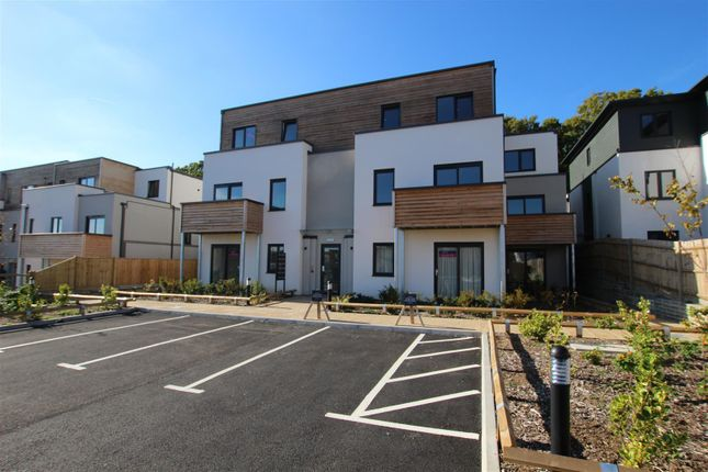 Thumbnail Flat to rent in Helena Court, Victoria Road, Burgess Hill