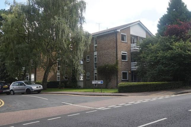 1 bed flat to rent in Upton Lodge Close, Bushey