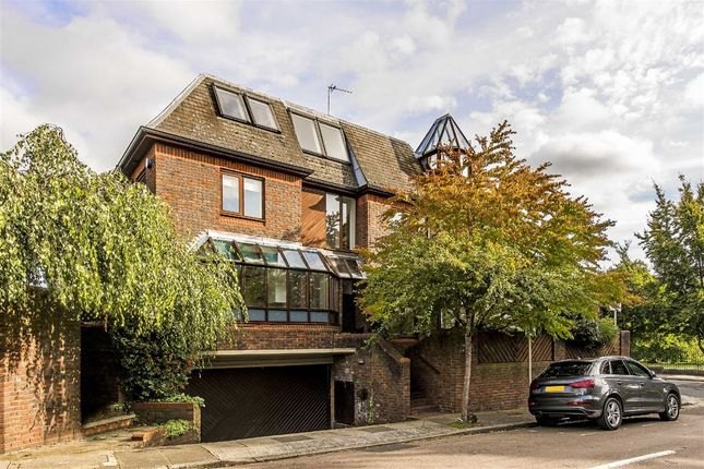 Thumbnail Property for sale in Cross Deep, Twickenham