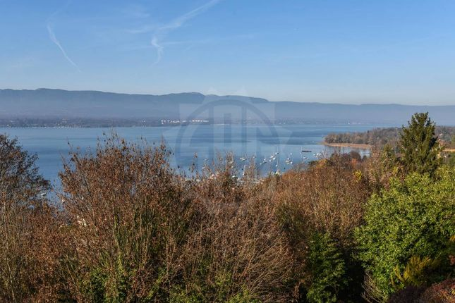 Thumbnail Land for sale in Cologny, Genève, CH