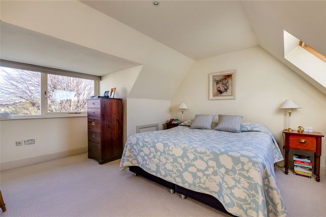 Bedroom of Lonsdale Road, London SW13