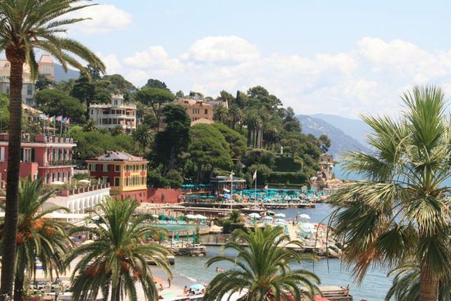 3 bed apartment for sale in Via Gramsci, Santa Margherita Ligure, Genoa, Liguria, Italy