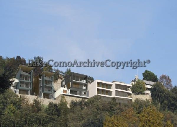 2 bed villa for sale in Como, Lake Como, Italy