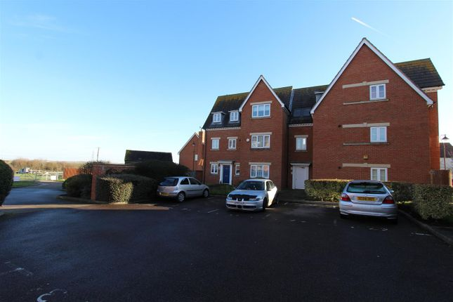 Thumbnail Flat to rent in Sanderling Way, Iwade, Sittingbourne