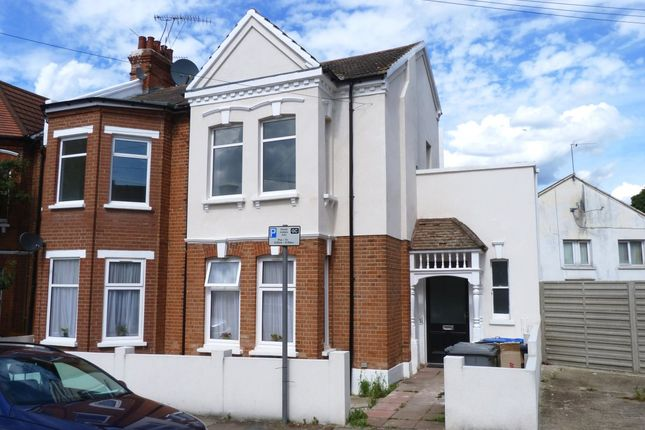 Thumbnail Flat to rent in Linacre Road, London