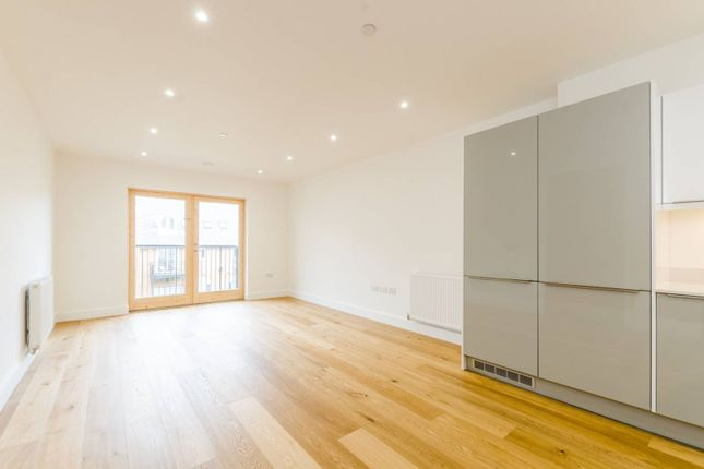 Thumbnail Flat for sale in Stoneway Walk, Mile End