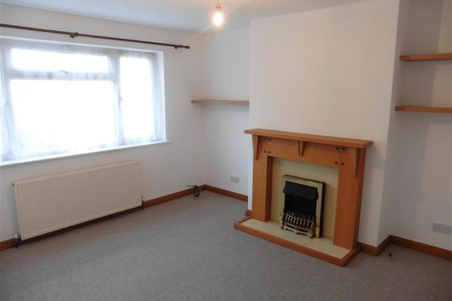 Thumbnail Flat for sale in Orchard Road, Lewes, East Sussex