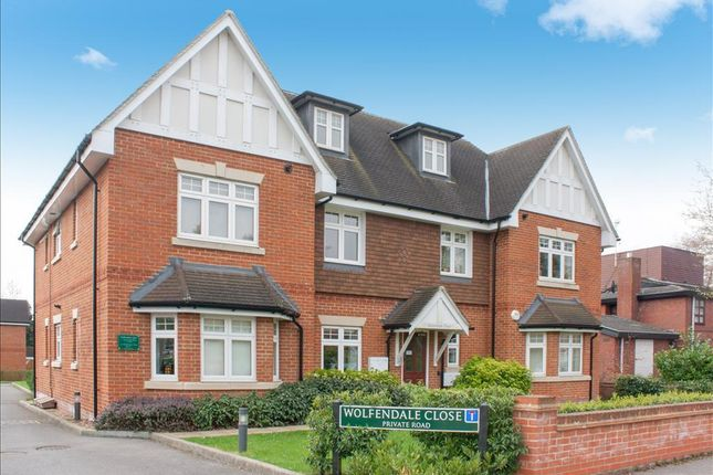 Thumbnail Flat to rent in Wolfendale Close, Merstham, Redhill