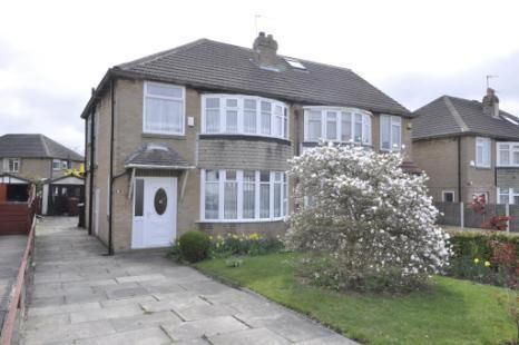 3 bed semi-detached house to rent in Carr Manor Road, Moortown, Leeds