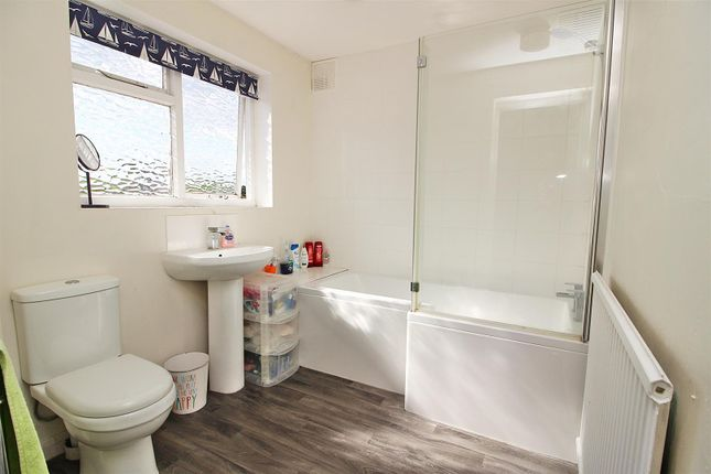Bathroom of Ashwell Street, St.Albans AL3