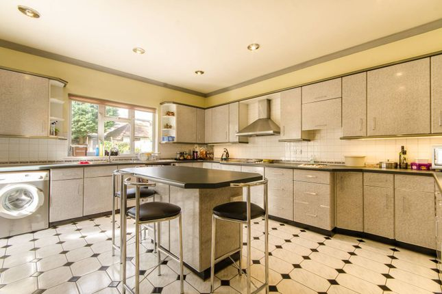 Thumbnail Detached house for sale in Fenstanton Avenue, North Finchley