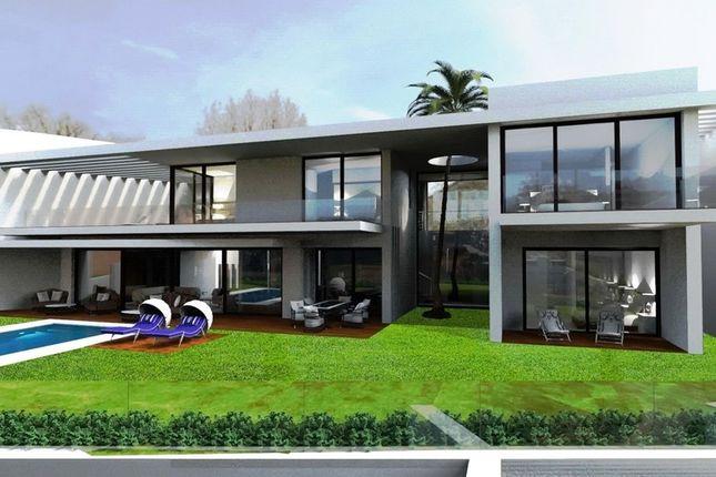 Villa for sale in Capanes Sur, Costa Del Sol, Spain