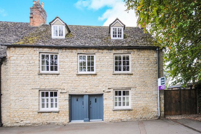 Thumbnail Semi-detached house for sale in Woodgreen, Witney