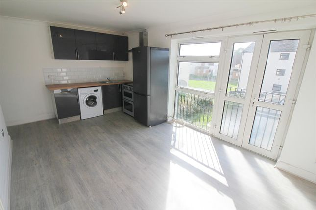 Thumbnail Flat to rent in Little Cattins, Harlow